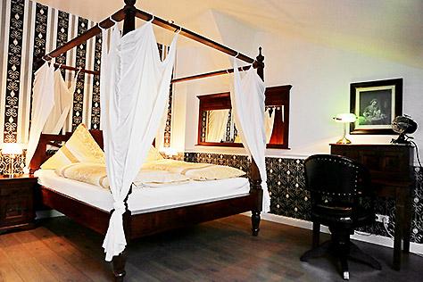 Hotel Berlin Doppel-Zimmer Queensize Bett