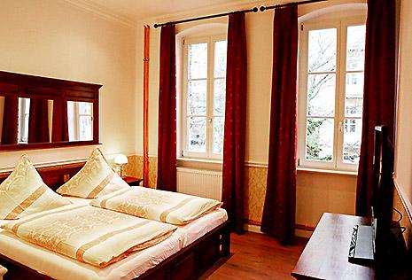 Hotel Berlin Studio Zimmer Bett