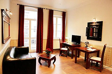 Hotel Berlin Studio Zimmer Schreibtisch